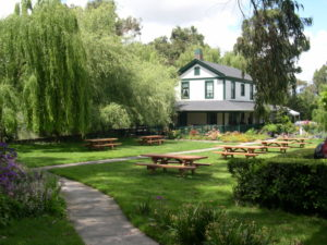 exterior winery picnic area